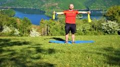 Netcurso-ganzkorpertraining-mit-dem-fitnessband