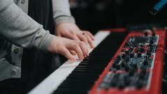 Netcurso-curso-de-armonia-moderna-para-piano-desde-cero-a-avanzado